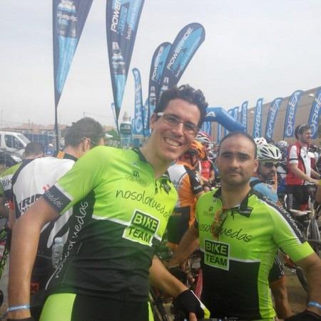 David García y José Alberto Arruego, del Nosoloruedas Bike Team, en la Orbea Monegros.