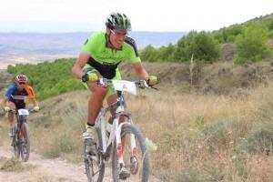 Jarruego, otro miembro del Nosoloruedas Bike Team, disfrutando de la carrera