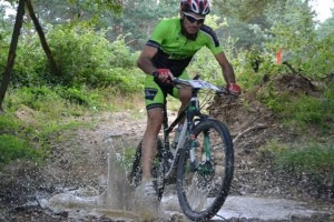 Xavi, ciclista del Nosoloruedas Bike Team, en el II Maratón BTT de Tarazona