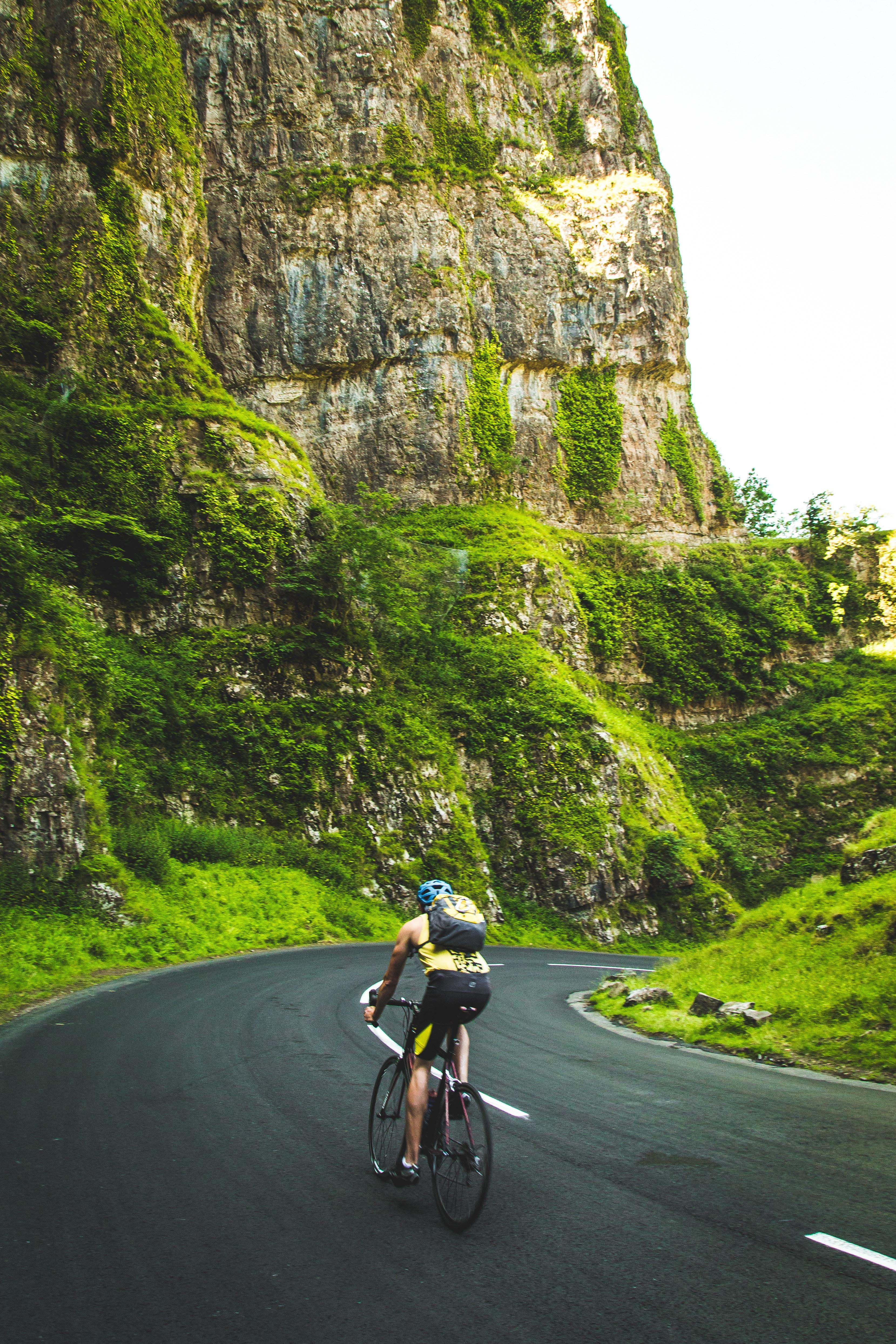 Dopaje en ciclismo: Nosoloruedas te informa de sus efectos en el rendimiento y en la salud.