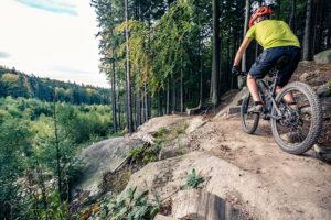Nosoloruedas te aconseja que si el agarre de tus ruedas de la bici es fundamental para ti, equipa tus ruedas con unos neumáticos con TPI bajo.