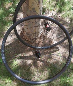 Nosoloruedas presenta sus ruedas de carbono extra ligeras NSR XC 29 para tu bicicleta MTB.